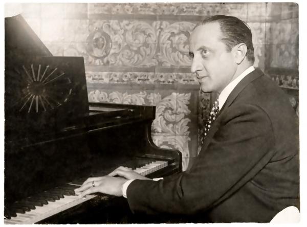 Gerardo Matos Rodríguez. Montevideo. Década de 1930. || Foto: Archivo Matos Rodríguez. Autor: s/d.