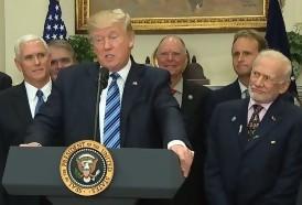 Portal 180 - Las caras de Buzz Aldrin durante el discurso de Trump sobre el espacio