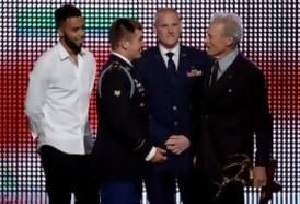 Portal 180 - Clint Eastwood convocó a tres héroes de la vida real para que se interpreten a sí mismos