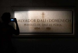 Portal 180 - Exhuman los restos de Dalí para prueba de paternidad