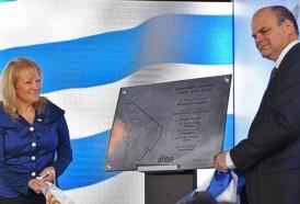 Portal 180 - Gobierno inauguró cable submarino de banda ancha