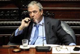 Portal 180 - Ley sobre financiamiento de partidos se postergó por viaje de Heber