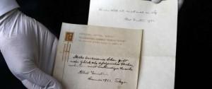 Portal 180 - La teoría de la felicidad de Einstein aparece en una nota manuscrita en Tokio