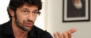 Portal 180 - Kaladze, exfutbolista georgiano del Milan, elegido nuevo alcalde de la capital de su país