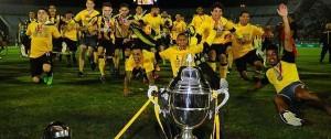 Portal 180 - Jugadores de Peñarol se bajaron del estrado para proteger sus derechos de imagen