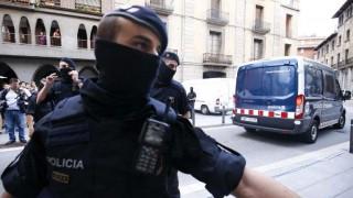 Policía española desmantela célula yihadista y busca a un sospechoso | 180