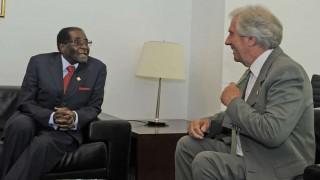 La historia de la polémica distinción a Mugabe en Montevideo | 180