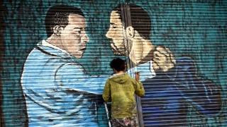 Artistas intervinieron las cortinas metálicas de 18 de Julio | 180