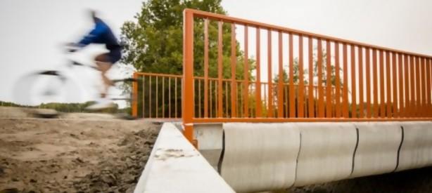 Portal 180 - Holanda inaugura el primer puente construido con una impresora 3D