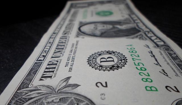 Dólar subió 0,48%