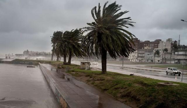 Uruguay bajo advertencia amarilla por vientos fuertes y lluvias abundantes