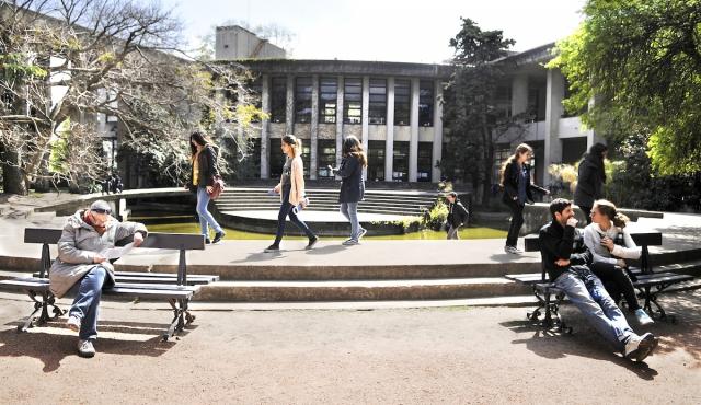 Los estudiantes universitarios uruguayos prefieren las empresas públicas