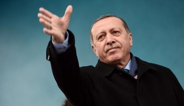 Pirateo masivo de cuentas Twitter con mensajes pro-Erdogan y símbolos nazis