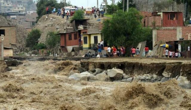 Diluvio en Perú deja 72 muertos y más de 70 mil damnificados