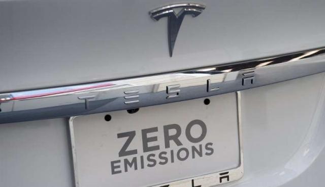 Tesla lanzará su camión eléctrico en setiembre