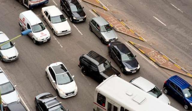 Velocidades máximas y cámaras, los otros usos de Waze