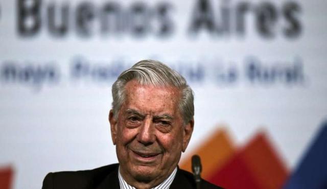 Vargas Llosa pide más literatura y menos pantalla