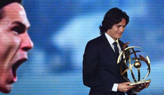 Edinson Cavani fue elegido mejor jugador del campeonato francés
