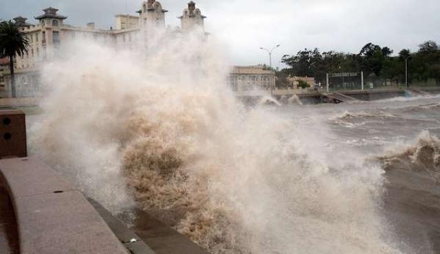Advertencia por vientos muy fuertes se extendió a todo el país
