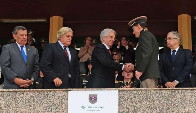 """Comandante del Ejército ve """"falsedades y tergiversaciones"""" en debate sobre la Caja Militar"""