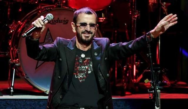 Ringo Starr celebra su cumpleaños 77 con una canción que pide amor en el mundo