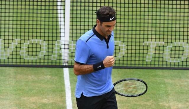 Federer eliminó a Berdych y jugará la final de Wimbledon ante Cilic