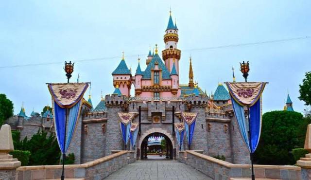 La Sirenita y Cenicienta no tienen para el alquiler en Disneylandia