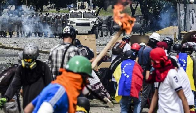 Los bandos que protagonizan los enfrentamientos en las calles de Venezuela