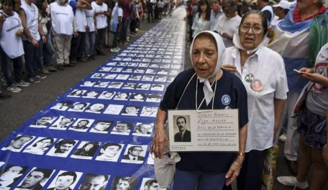 Hallan a mujeres embarazadas asesinadas en la dictadura argentina