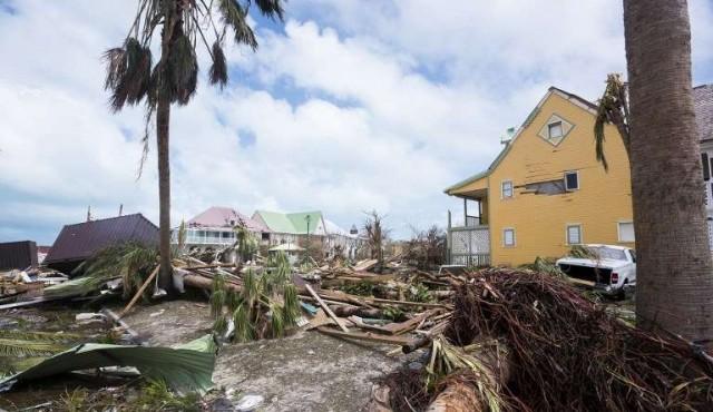 Cancillería difunde contactos para uruguayos ante el Huracán Irma