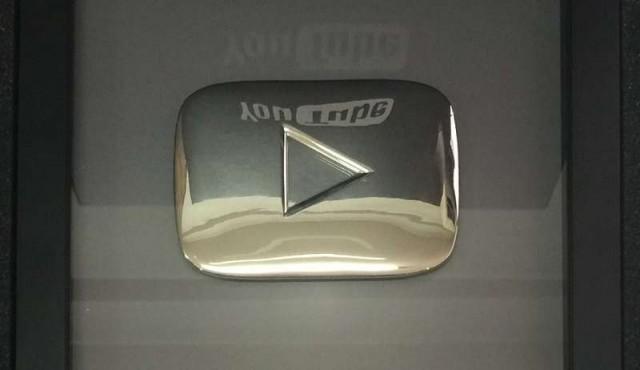 Cerrito Plenero recibió premio de YouTube por alcanzar los 100.000 suscriptores