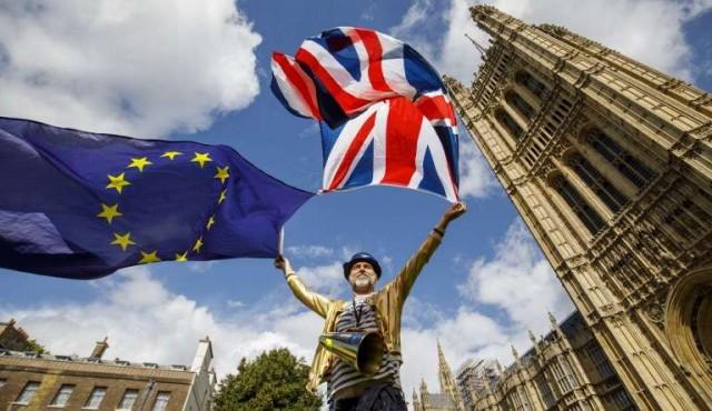 Miles de británicos reclaman permanecer en la Unión Europea 11/Sep/2017 Internacional