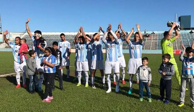 Ganaron Liverpool, Cerro y Fénix