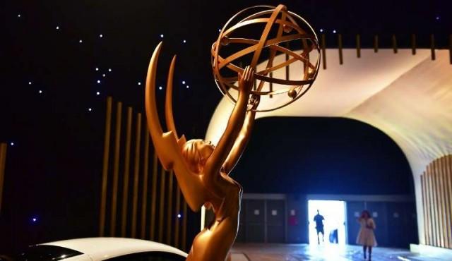 Alcohol, regalos y buena prensa: ¿cómo ganar un Emmy?