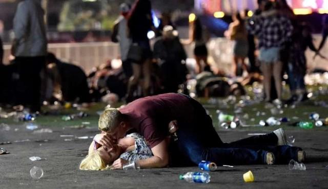 Gigantes de internet fallaron en contener noticias falsas sobre matanza en Las Vegas