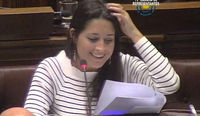 Manuela Mutti se tentó en el Parlamento