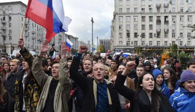 Oposición rusa se manifiesta durante el cumpleaños de Putin