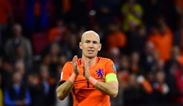 Robben anuncia su adiós de la selección tras la eliminación de Holanda