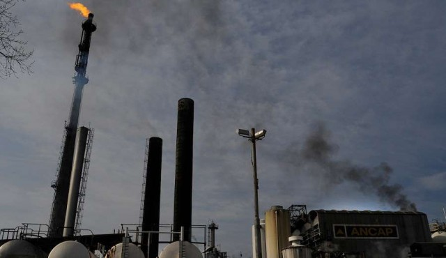 Refinería de Ancap vuelve a funcionar tras siete meses