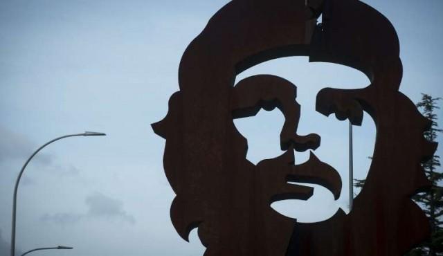 """Los diputados y el """"Che"""": profundamente humanista o racista homófobo"""