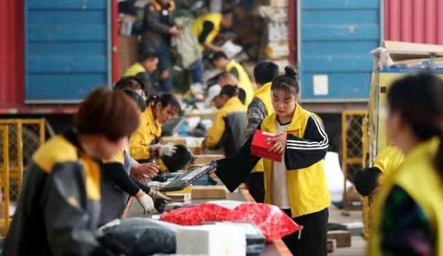 """En China, frenesí consumista multimillonario para el """"Día de los solteros"""""""