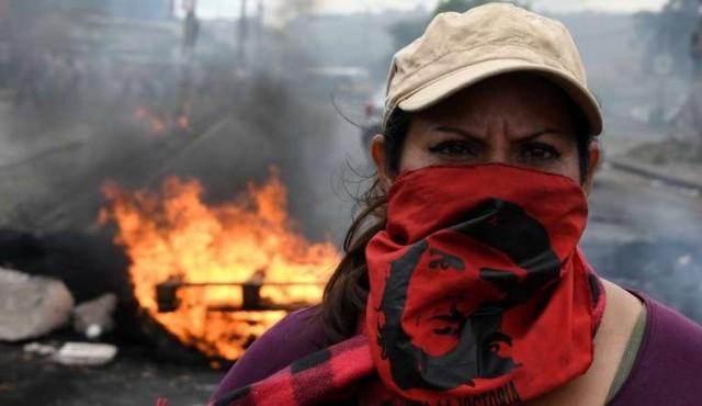 Grupos policiales en Honduras se niegan a reprimir manifestantes durante toque de queda