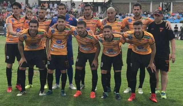 Sud América ganó y el domingo hay definición por el descenso