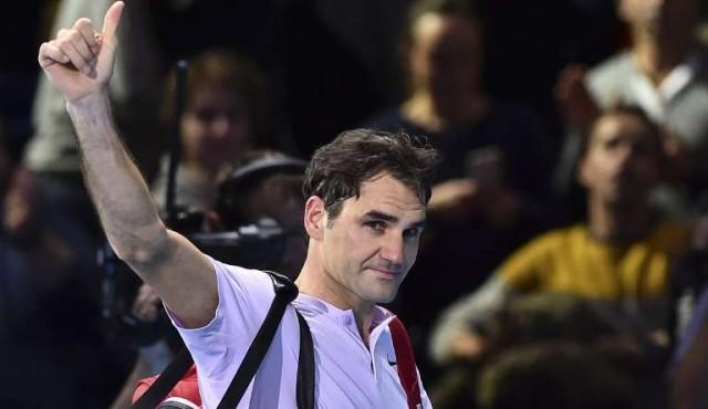 Federer reina en Australia y lleva su leyenda a 20 títulos de Grand Slam