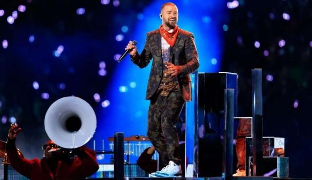 Justin Timberlake homenajea a Prince en el show del Super Bowl
