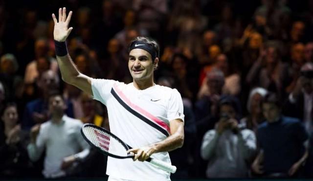 Federer volvió a ganar y jugará la final de Róterdam