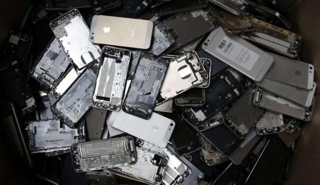 Los teléfonos inteligentes, cada vez más reutilizados pero lejos de ser ecológicos