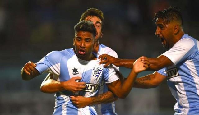 Cerro gana y avanza en la Sudamericana
