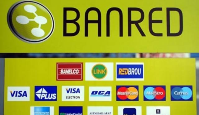 """Avanza regulación de tarjetas con los bancos """"en contra"""""""