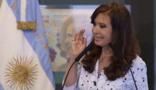 "Cristina: Malvinas son ""base militar nuclear de la OTAN"""